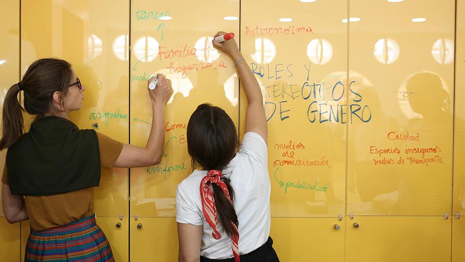In virtuellen Workshops werden MINT-Lehrkräfte aus Peru und Mexiko in die innovative Lehr- und Lernmethode Design Thinking eingeführt.